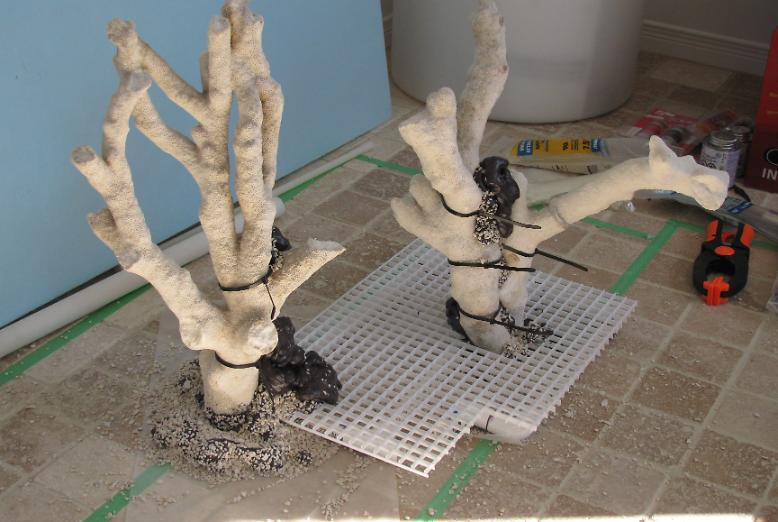 Tonga sculpture with artificial root system